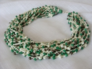 Bead crochet green cream