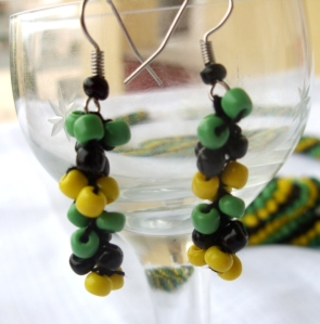 Beaded earring  black yellow green