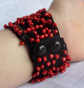 Red black beaded bracelet 2