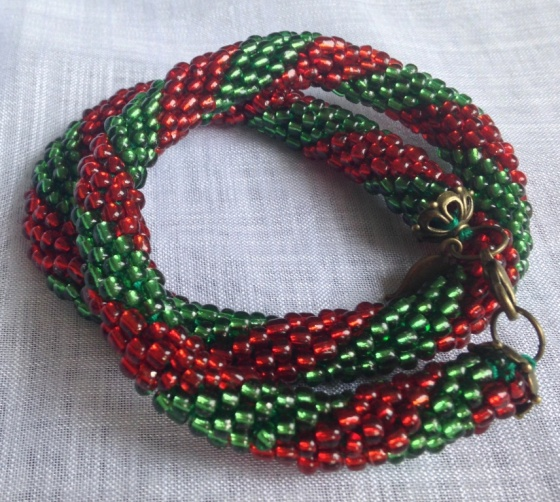 Bead rope green red