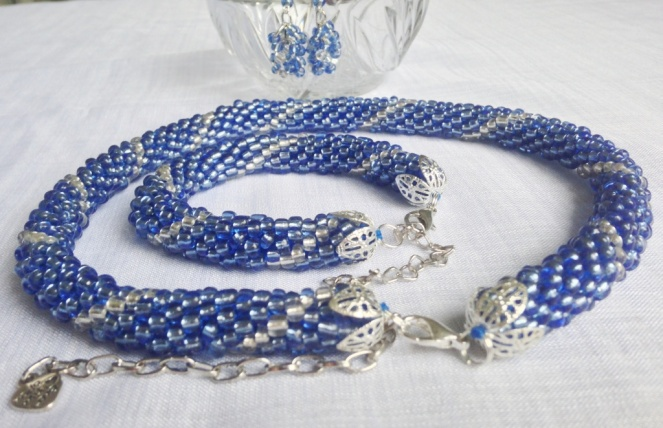 Bead crochet necklace and bracelet