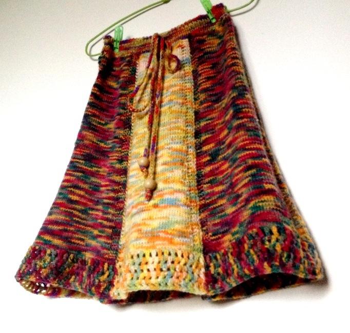 Fuste cu tendinte etno tricotate din fir multicolor